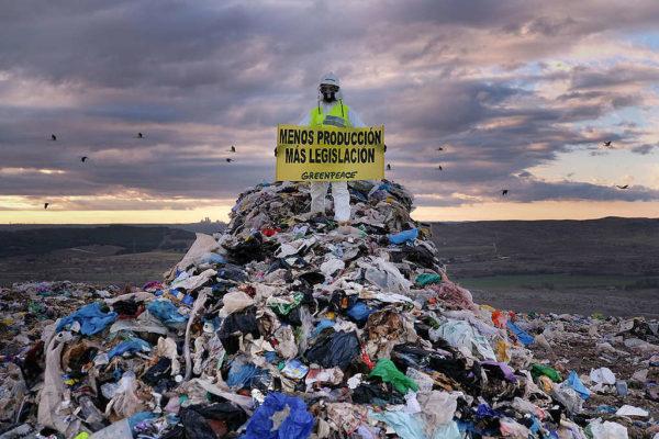 Activistas de Greenpeace